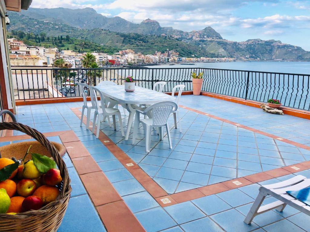 apartamente de vacanță giardini naxos)