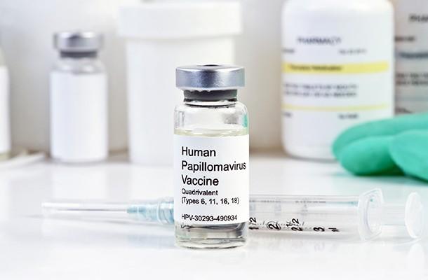 quadrivalent human papillomavirus vaccine side effects)
